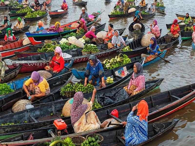 Wisata Belanja Di Atas Air Pasar Terapung Lok Baintan Pariwisata Indonesia