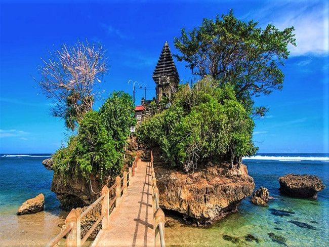 Berwisata Ke Pantai Balekambang Dan Pantai Goa Cina Pariwisata Indonesia