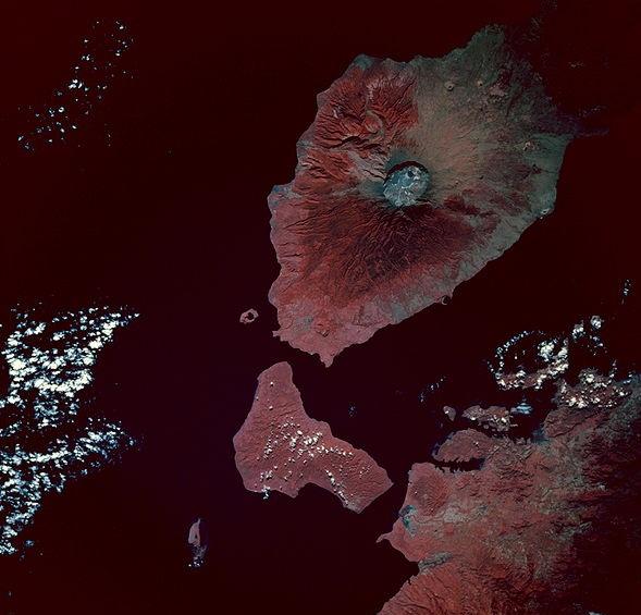 PsariwisataIndonesia-Citra-warna-semu-Gunung-Tambora-diambil-dari-Pesawat-ulang-alik-Endeavour-13-Mei-1992-