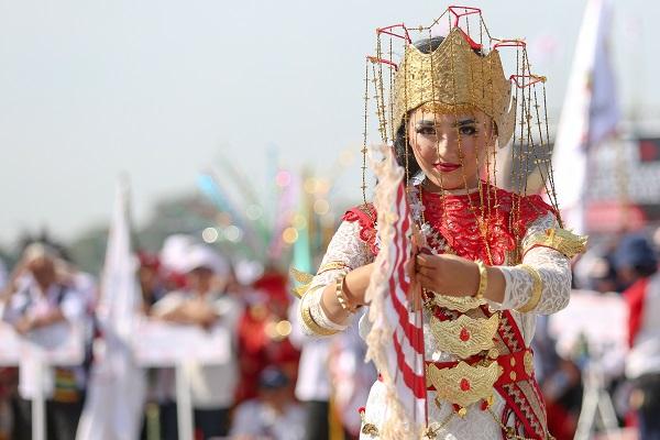 Tari Melinting, Lampung