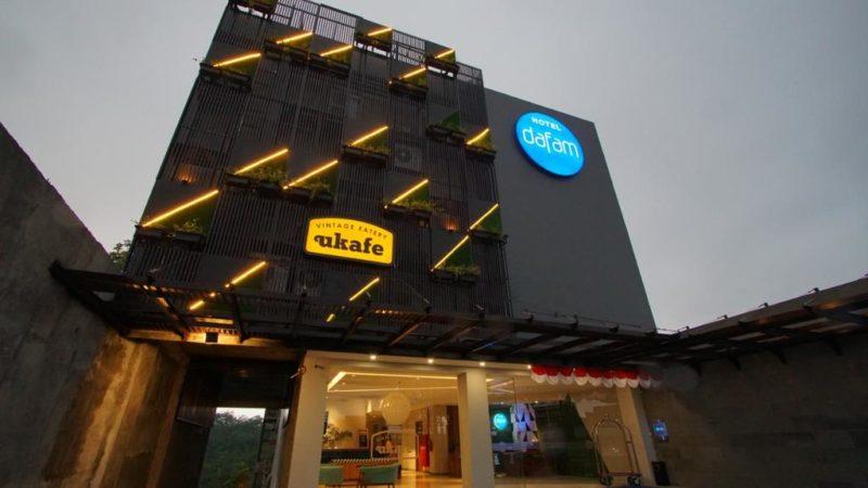 Sensasi Menginap di Hotel Dafam dengan View Hutan yang Indah