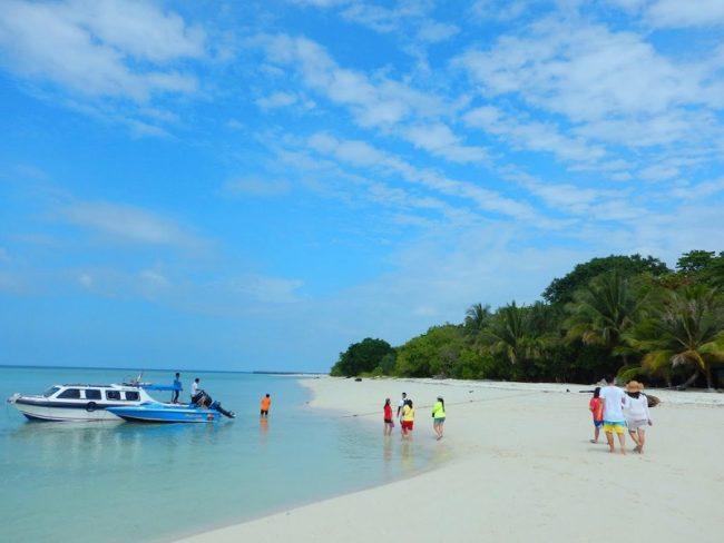 Kepulauan Pasir Putih Derawan