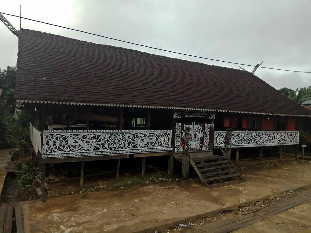 Rumah Adat Lamin Di Kalimantan Timur Pariwisata Indonesia