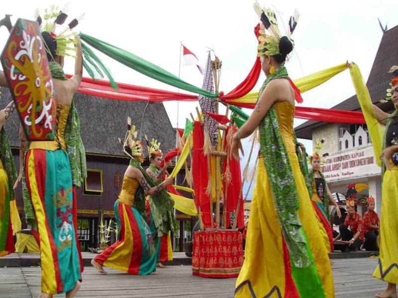 Tari Manasai dari Kalimantan Tengah