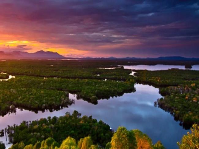 Wisata-Danau-Sentarum,Kalimantan Barat, Pariwisata Indonesia