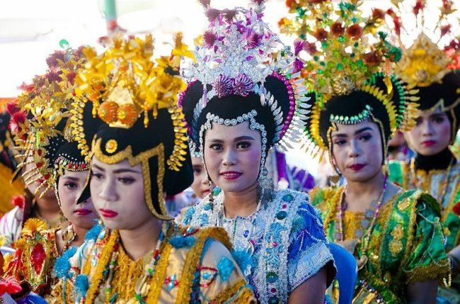 3 Pakaian Adat Khas Sulawesi Tenggara | Pariwisata Indonesia