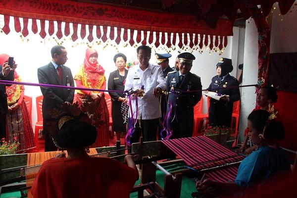 Proses Pembuatan Kain Tenun Toraja, Sulbar,