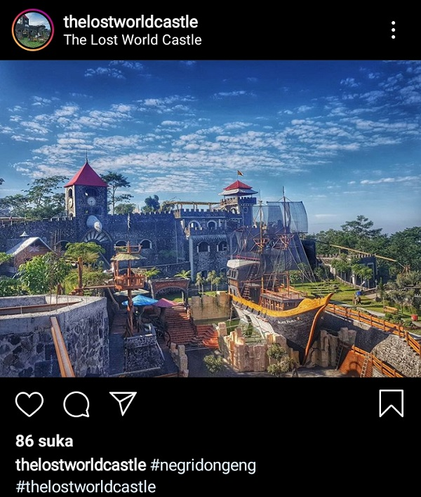 the lost world castle  pariwisata indonesia