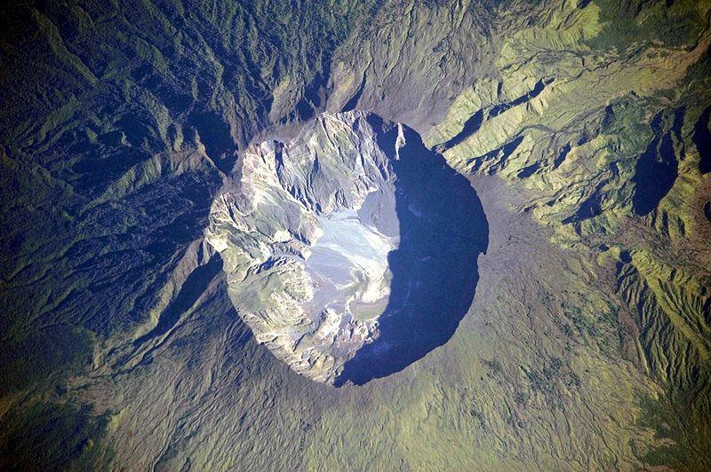 Gunung Tambora Indah Memesona dan Pernah Murka!