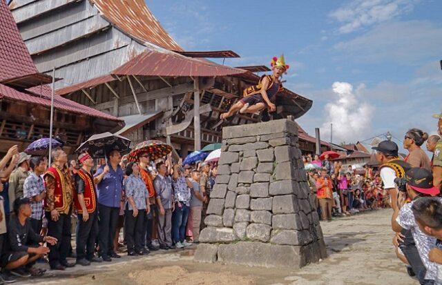 Umi Kalsum Founder dan CEO PVK Group, AYO BERLIBUR KE NIAS,FAHOMBO,FAHOMBO SUKU NIAS,INDONESIA OFFICIAL TOURISM WEBSITE,INDONESIA TOURISM INVESTMENT,KEBUDAYAAN KHAS NIAS,MEDIA PVK GROUP,MEDIA PVK GROUP DENGAN 10 SITUS PARIWISATA DAN E MAGAZINE,NIAS TOURISM,PARIWISATA INDONESIA,RITUAL FAHOMBO,TRADISI FAHOMBO,TRADISI LOMPAT BATU NIAS,WEBSITE RESMI PARIWISATA INDONESIA,PARIWISATA SUMATRA UTARA,PESONA WISATA PULAU NIAS MEMIKAT HATI,PULAU NIAS,PULAU NIAS ADALAH SALAH SATU DESTINASI WISATA YANG WAJIB DIKUNJUNGI KARENA PESONA PULAU INI SUNGGUH MEMIKAT SIAPAPUN YANG DATANG, SITUS ONLINE PARIWISATA,TAMAN YA'AHOWU, Situs Online Resmi Pariwisata,DESA ADAT BAWOMATALUO,MEDIA ONLINE PARIWISATA